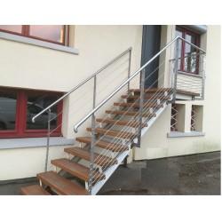 Garde-corps Escalier avec câble inox posé sur escalier existant.une belle rénovation sans entretien